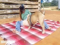 Knotty Stud service Rubia con perro